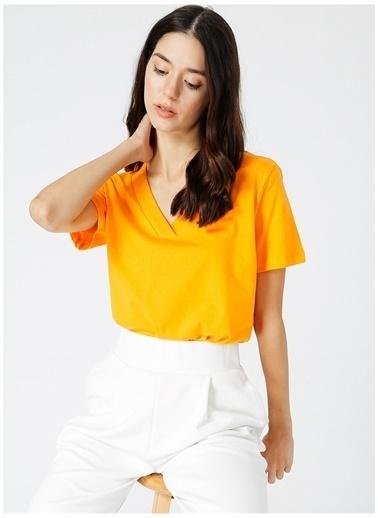 Fabrika Comfort Fabrika Comfort Kadın V Yaka Turuncu T-Shirt Oranj